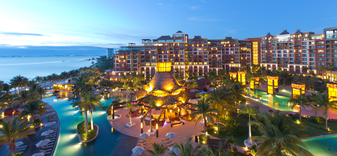 Flash Sale - 5 Nights in a Suite at 5 Star Cancun Villa Resort with Unlimited Gourmet Meals and Premium Drinks Included Now: $599 Per Couple.