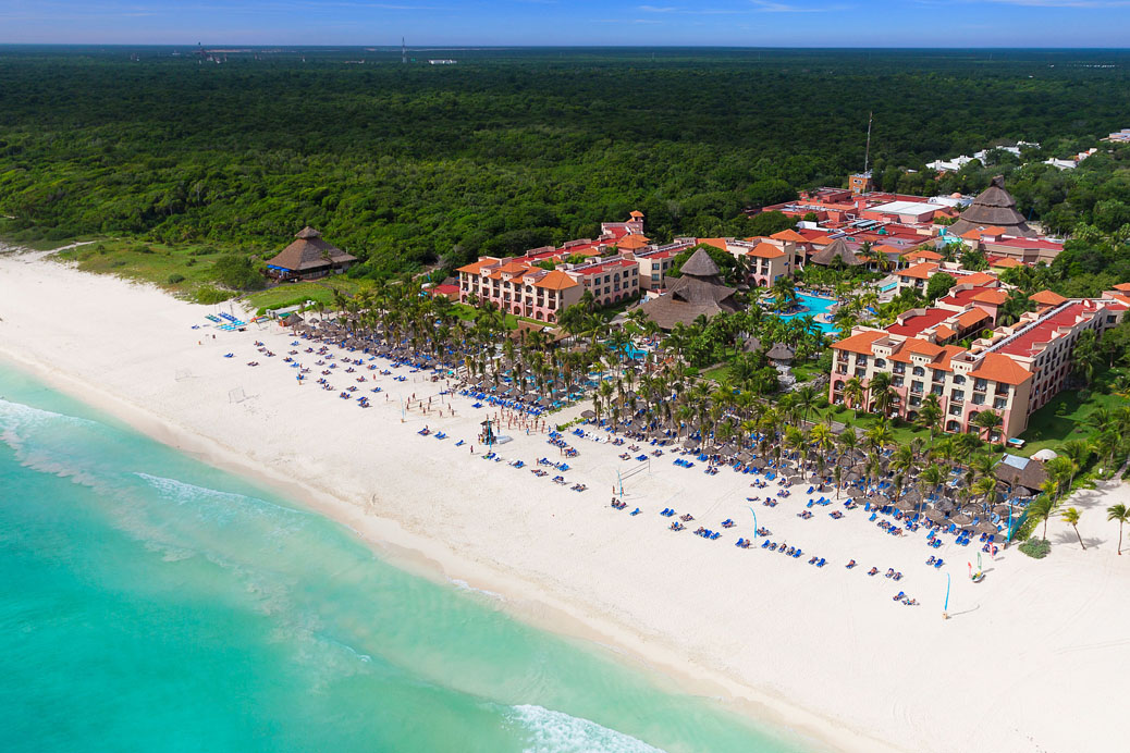 Flash Sale - 5 Nights at Sandos Playacar Resort with Unlimited Gourmet Meals and Premium Drinks Now: $699 Per Couple.